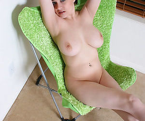 Busty teaser lets you scrutinize her jugs but hides her pussy from you