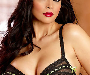 Come to the lingerie gallery with the perfect model that is Tera Patrick