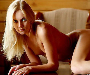 Sarah the leggy blonde model has a shaved pussy so come check it out