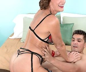Amateur mature in stockings Sydni Lane loves a big hard cock inside of her