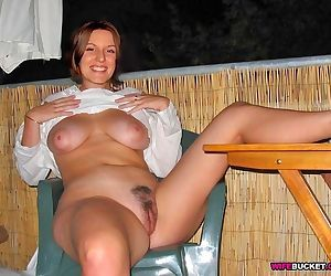 Hot amateur moms - part 1329