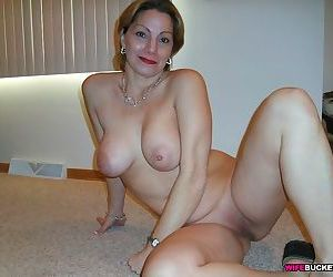 Amateur milfs pose and show tits and pussies - part 2933