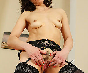 Mona b shows her pussseee - part 508