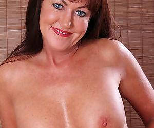 Shauna is a 44 yo hotty - part 2875