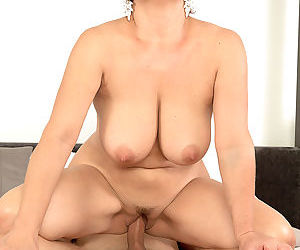 Big-titted divorcee jessica is hot for cock - ornament 1498