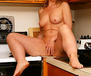 Blonde housewife lauren e gets down and dirty in the kitchen - part 1887