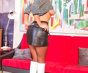Busty milf lu elissa stripping in her pantyhose - part 2331