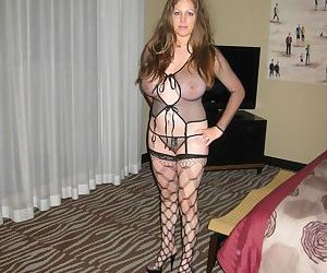 Housewife goes on lingerie shopping - part 2960