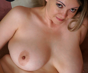Chubby comprehensive with big titties in all directions the meeting-hall - fastening 56