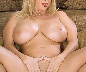 Big boobed milf penny porsche spreading her pussy - part 59