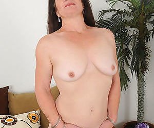 50 yo anna trying like hell to be sexy - part 2249
