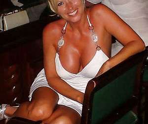 Hot amateur wives and milfs naked and fucking gallery 21 - part 439