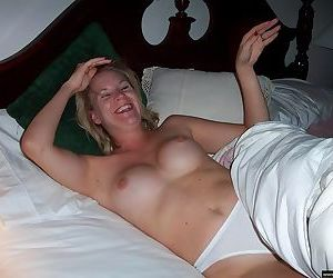 Amateur housewives spread pussies - part 1151