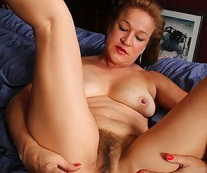 Horny older babe sabina wexler toying her mature twat - part 1834