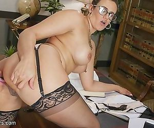 Jonelle brooks transsexual attorney in black stockings pussy fuc - part 1302