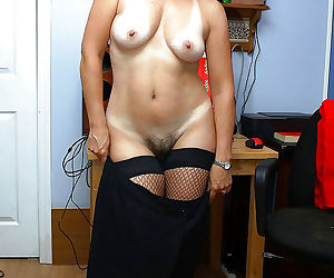 Hot amateur wives and milfs naked and fucking gallery 22 - part 791