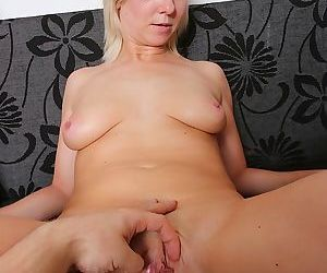 Mature blonde amateur emilia gets her pussy tickled - part 2778
