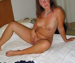 Mix of real milf pics - part 26