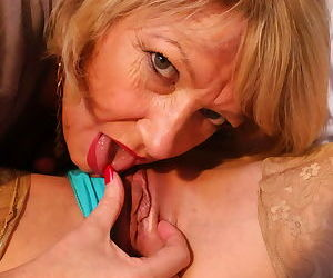 Amy goodhead playing with sexy valentina bianco - part 625