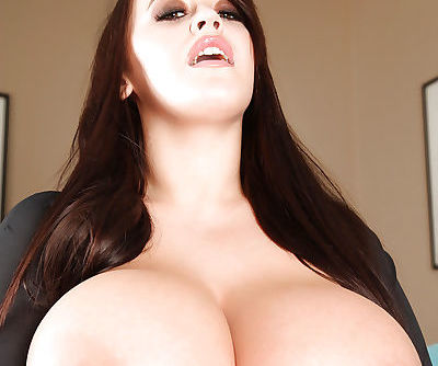 Big-tit brunette Leanne Crow demonstrates her amazing boobs!