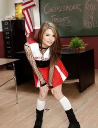 Slim schoolgirl Sensi Pearl stripping and exposing her flexy body