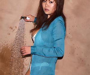 Dispirited asian neonate with broad in the beam tits Yoko Matsugane pretty shower in bikini