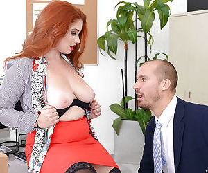 Redheaded Lennox Luxe wreckage the brush boos hither big titties increased by nylon clad frontier fingers