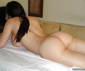 MILF Diamond Foxxx stripping naked before receiving massage - part 2