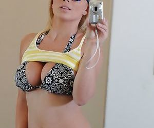 Blonde teen Lexi Go for pulling cold self shots regarding mirror