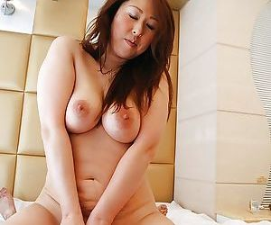 Asian gal Eiko Kawai gets trimmed pussy vibed- cocked up coupled with creampied