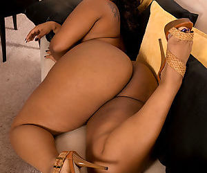 Ebony fatty Cherise Roze displaying her big butt and smooth vagina in heels - part 2