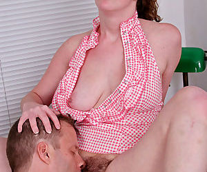 Amateur mom Sammy Grand parking her hairy muff on top of her guys cock - part 2