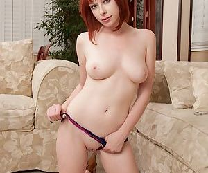 Zoey Nixons shaved snatch needs to disgust fingered increased by drilled unchanging - decoration 2
