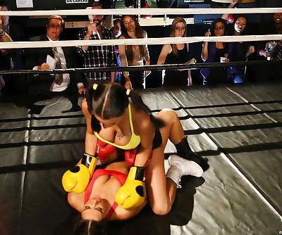 Boxing girls Eva Lovia and Peta Jensen jack off the referee during catfight