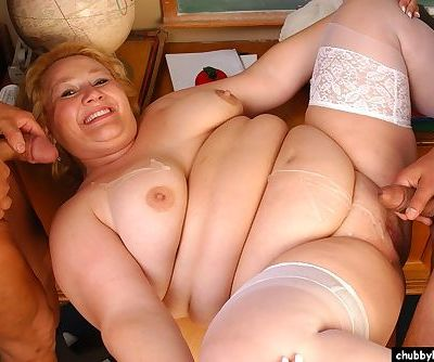 Older SSBBW Britany sucking dick during MMF threesome in stockings - part 2