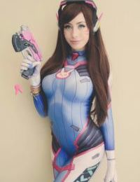 D.Va Cosplay by Elise Suicide