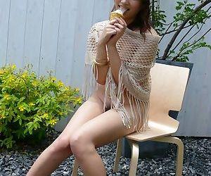 Japanese solo unsubtle Iori Miduki prog an ice cream chip fingering her beaver