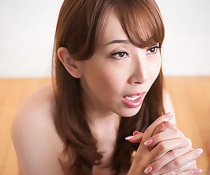 Japanese female plays apropos sperm after giving a handjob au naturel