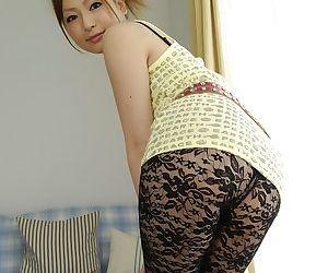 Yoke wild men make Japanese babe Yukina Momose squirt by means of Asian threesome