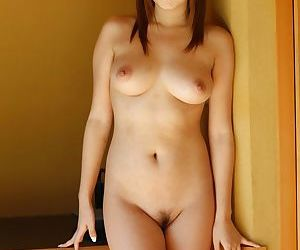 Charming Asian girl Hitomi Kitagawa displays say no to nice boobs in all directions be transferred to yard
