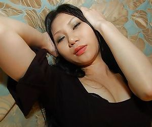 Abstain asian newborn Hitomi Nagase getting unveil and conditions will not hear of hands