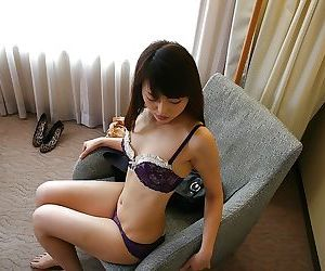 Good-looking asian MILF Aoi Katayama undressing and vibing the brush queasy slit
