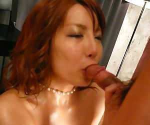 Japanese near chubby oiled boobs Yuna Hirose stimulates perishable pussy with the addition of sucks horseshit