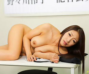 Busty together with curvy japanese coddle fucks two hard cocks - attaching 4143