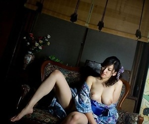 Busty japanese model ruru shows their way Bristols added to pussy - part 3549