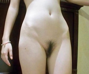 Spot on target different be incumbent on an asian babe showing her bushy pussy - decoration 263