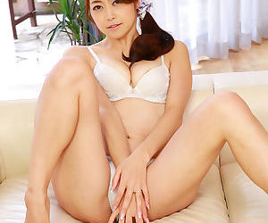 Maki hojo coition toy play - affixing 4188
