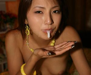 Japanese girl in sex - part 3275