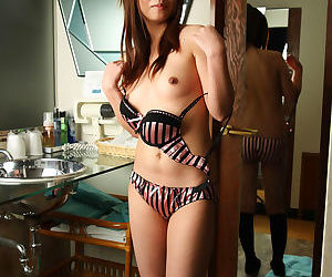 Japanese non-professional posing nude - decoration 4883