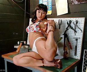 Foot idolize blue asian shows off her almighty paws soreness legs added to bubble butt sn - accoutrement 4750